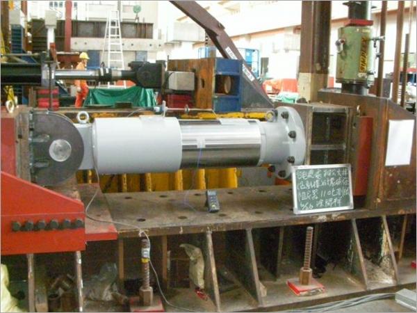 USVF阻尼器為一優質化速度型液流阻尼器(加拿大/日本)