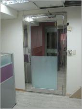 不�袗�玻璃門