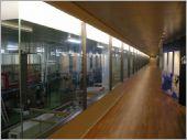 廠辦廊道隔間玻璃
