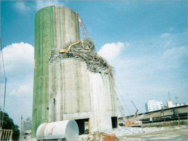 水泥塔拆除工程