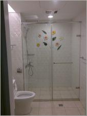 衛浴空間設計(無框 一字推拉)-17