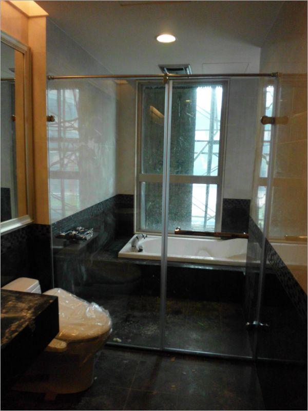 衛浴空間設計(無框 一字推拉)-20