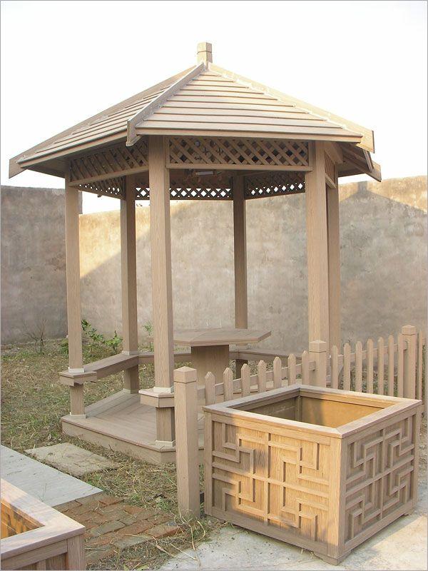 塑木涼亭擁有古樸風格,最能體現出古典美學的精髓,它的耐久性、耐酸鹼、防腐蝕、防蟲蛀、抗UV、不龜裂,並免於保養維護,相較於原木涼亭更勝一籌,來來建材塑木又兼具可刨、可鋸、可釘、可鑽、可鎖、可彎的優點,使涼亭兼具古樸風格又不失變化性,更勝水泥製品的笨重又粗曠,失去了應有的古典美!來來建材的塑木涼亭,多種樣式可供參考,座椅還有美人靠可以選擇,並有小型涼亭可供客戶自行享受DIY的樂趣!