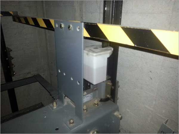 電梯導軌給油器點檢