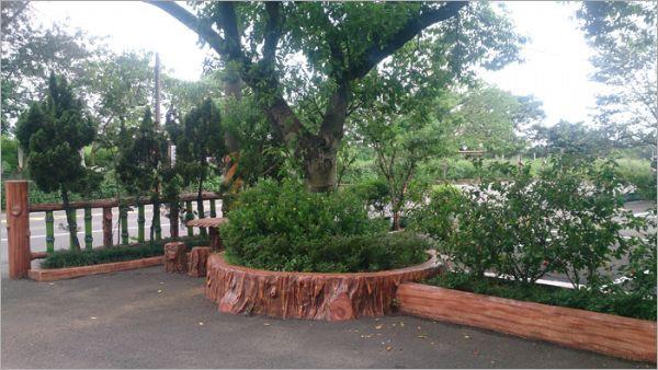 仿木水泥花圃
