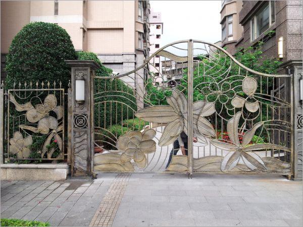 社區中庭鍛造大門