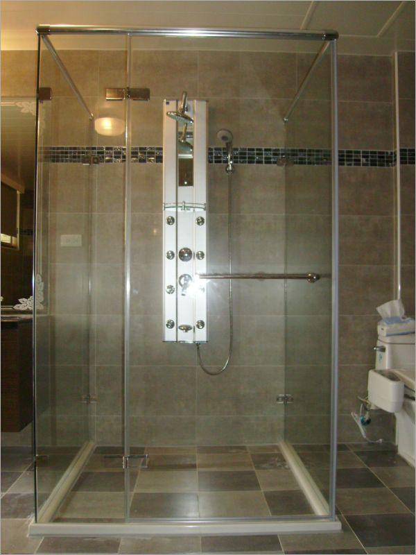 衛浴空間設計(ㄇ字型淋浴拉門)