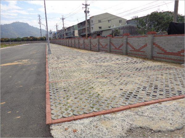 植草磚工程實績/台中工業區工廠外步道