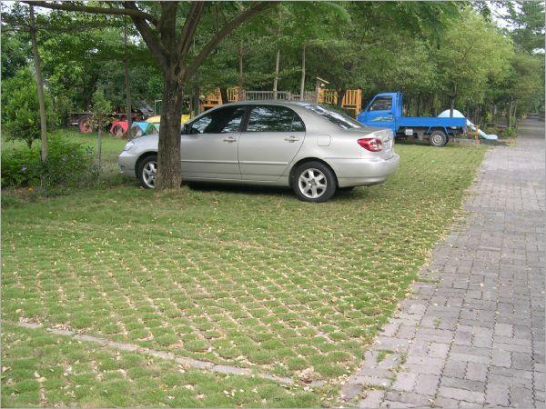 植草磚工程實績/張氏農場