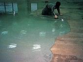 環氧樹脂金鋼砂止滑地坪