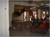 挖土機.怪手出租-磚塊隔間牆拆除工程