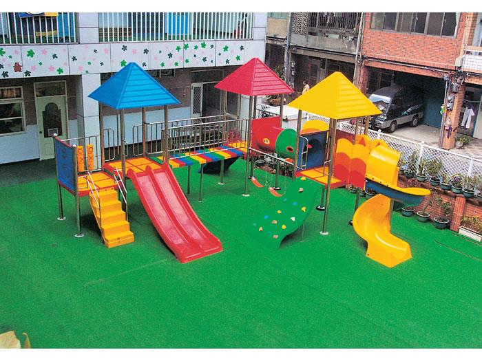 FRP幼稚園遊具
