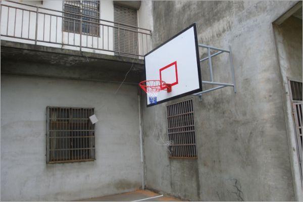 掛壁式籃球架
